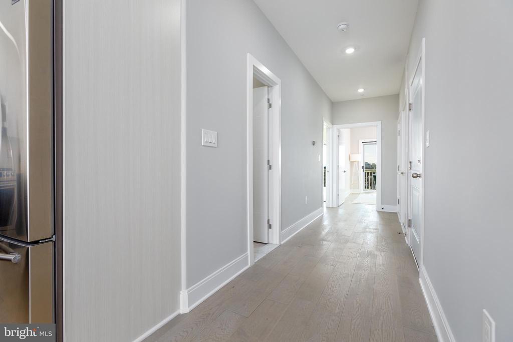 Wide Plank White Oak Hardwood floors throughout - 2812 GEORGIA AVE NW #9, WASHINGTON