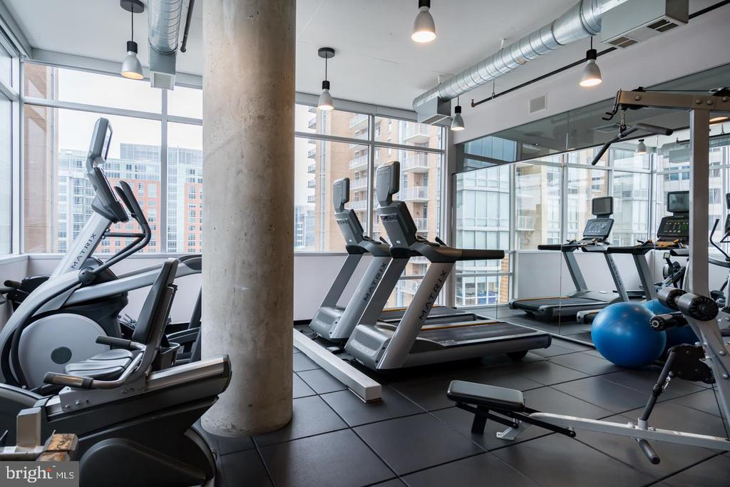 GYM LOCATED ON THE 7TH FLOOR OF MIDTOWN NORTH - 12025 NEW DOMINION PKWY #504, RESTON