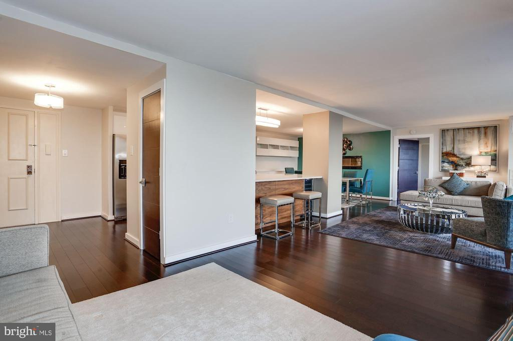 Great open floor plan - 250 S REYNOLDS ST #1307, ALEXANDRIA