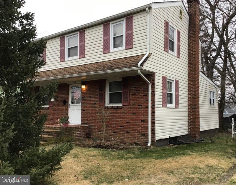 Single Family Homes para Venda às Bellmawr, Nova Jersey 08031 Estados Unidos