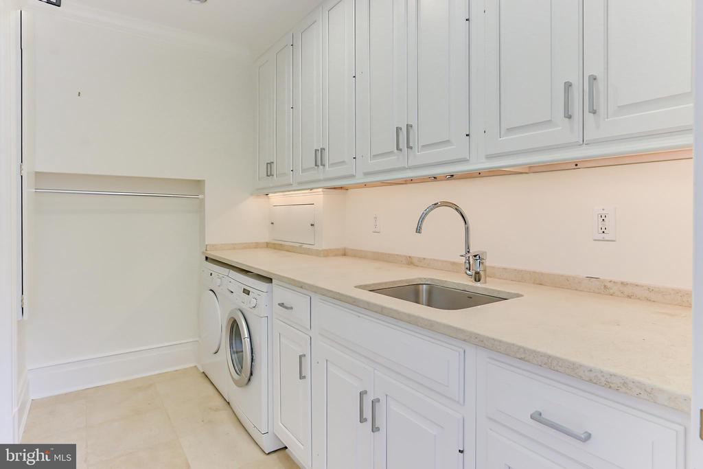 Laundry Room - 1400 34TH ST NW, WASHINGTON