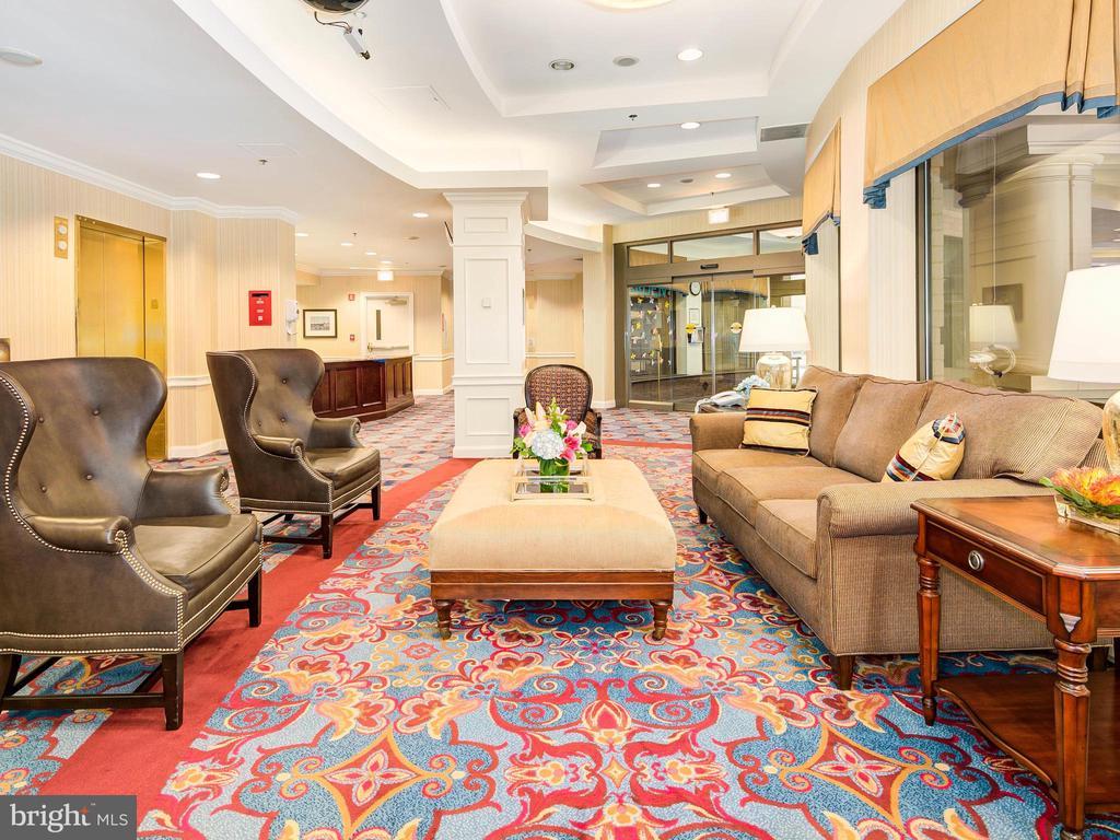 West Lobby - 900 N TAYLOR ST #2025, ARLINGTON