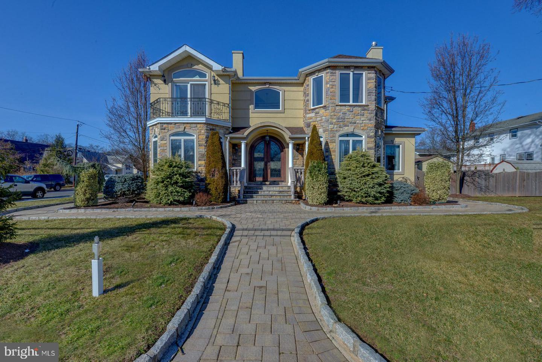 Single Family Homes per Vendita alle ore Union, New Jersey 07083 Stati Uniti