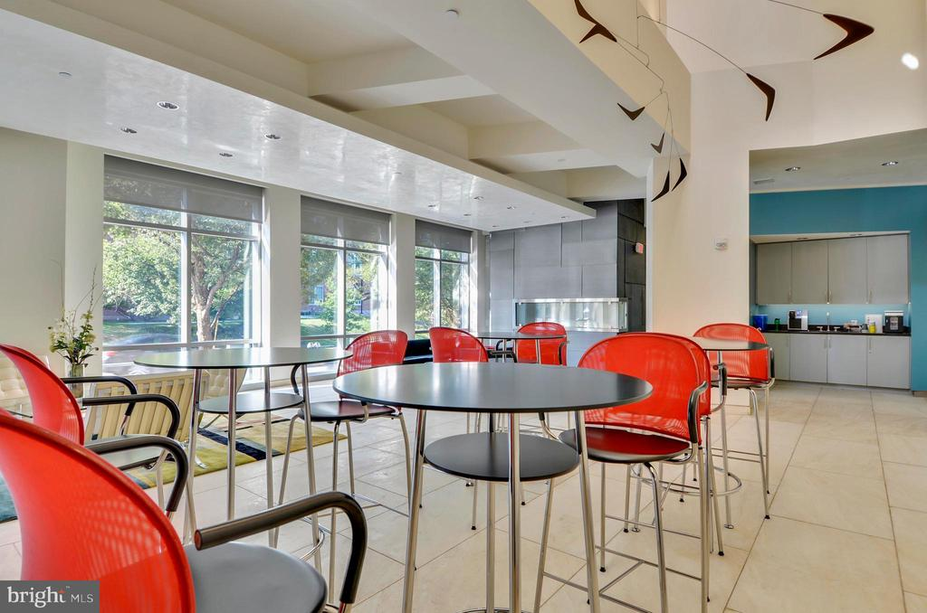 Contemporary lobby with WIFI - 4101 ALBEMARLE ST NW #447, WASHINGTON