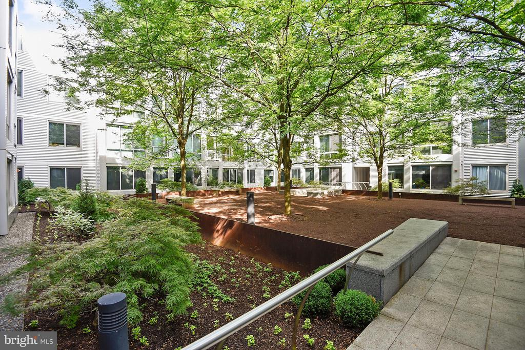 This unit overlooks the quiet courtyard - 4101 ALBEMARLE ST NW #447, WASHINGTON