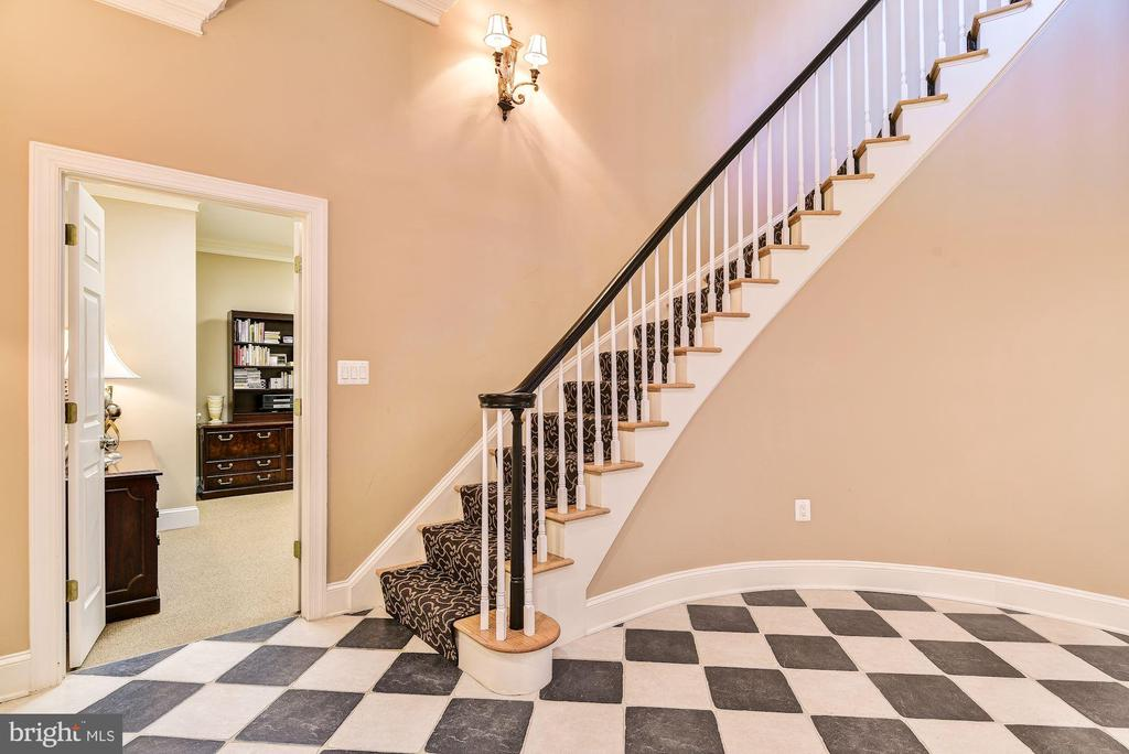 Lower Level Curved Stair - 1128 ASQUITH DR, ARNOLD