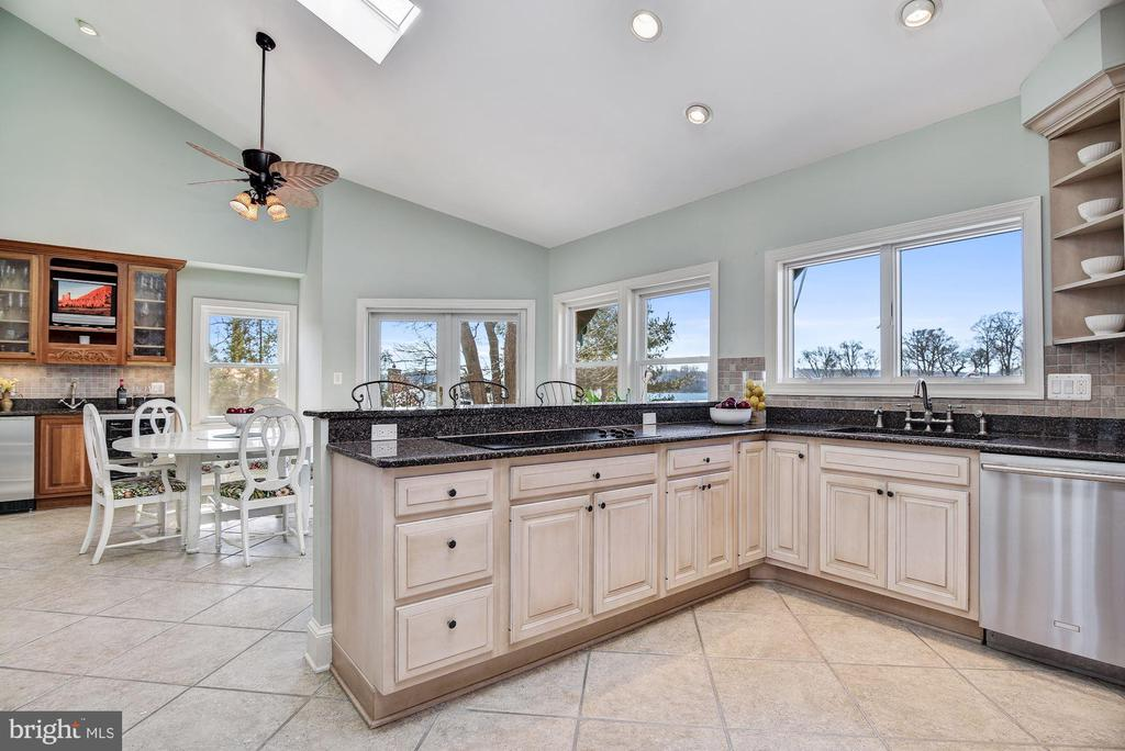 Eat-in  Kitchen, Breakfast Room  & Butlers Pantry - 1128 ASQUITH DR, ARNOLD