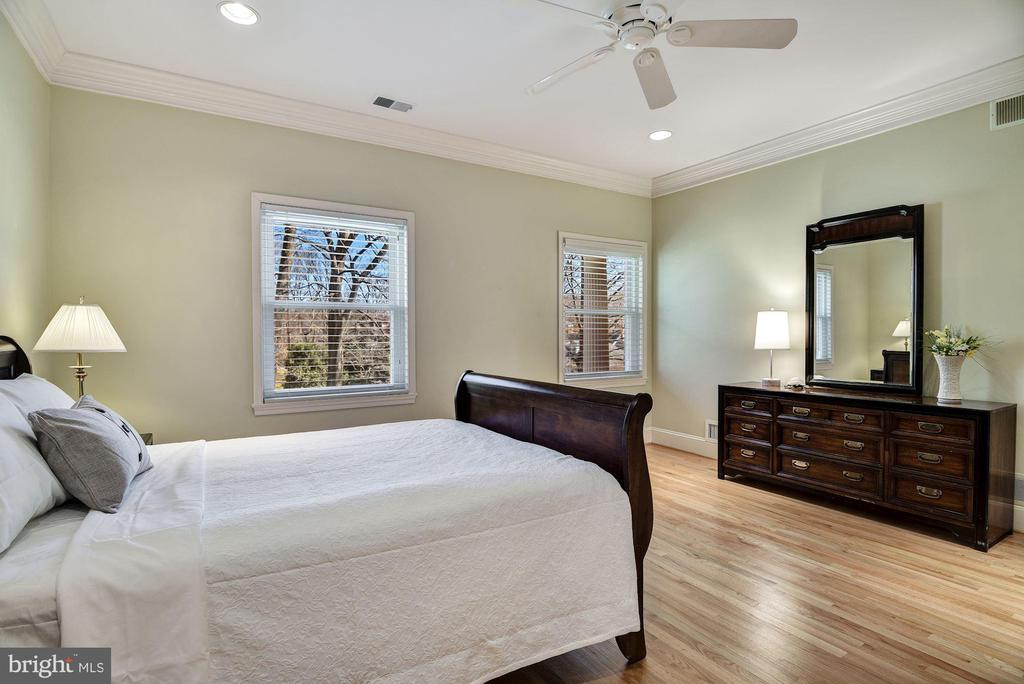 En-suite Bedroom w/Shared Bath - 1128 ASQUITH DR, ARNOLD