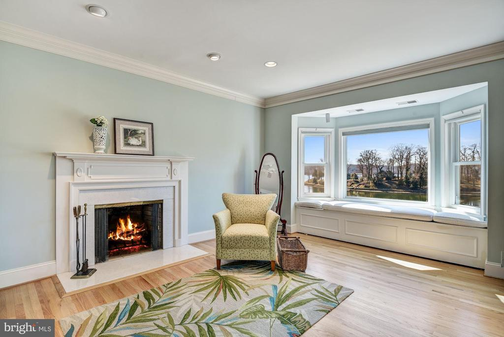Master Sitting Area and Fireplace - 1128 ASQUITH DR, ARNOLD