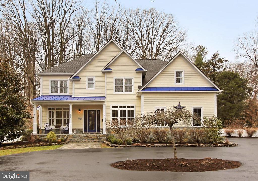Custom Built Farmhouse - 7380 CLIFTON RD, CLIFTON