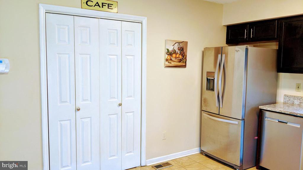 Kitchen Pantry - 6426 OLD HIGHGATE DR, ELKRIDGE