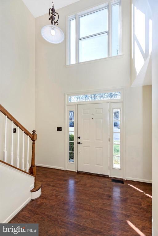 Foyer - 6024 DOUGLAS AVE, NEW MARKET