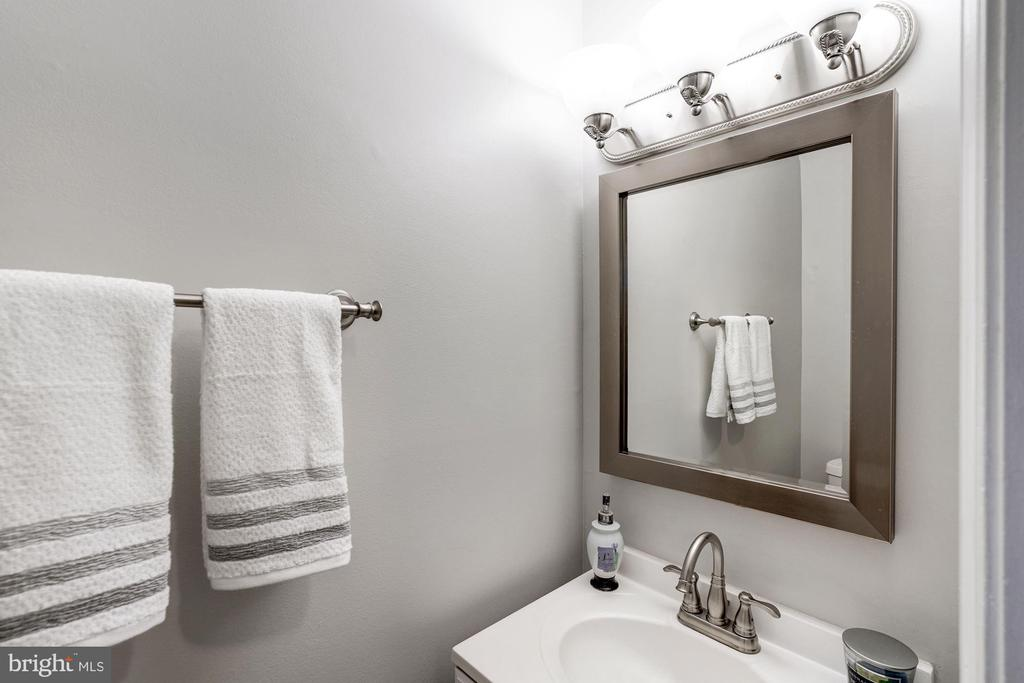 Powder Room - 2354 HORSEFERRY CT, RESTON