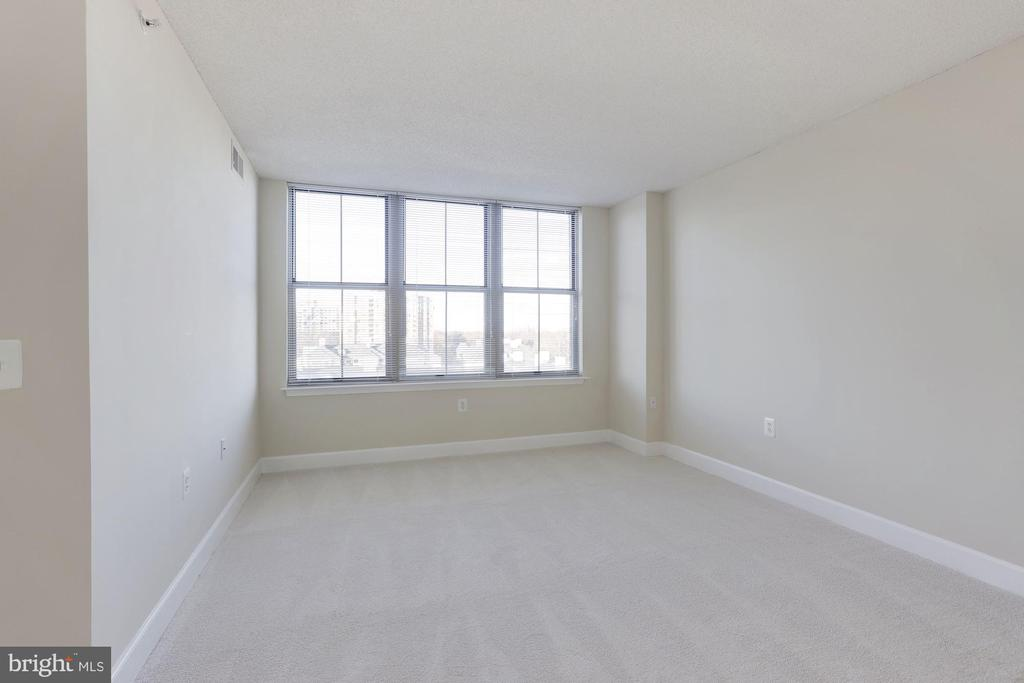 Guest Room 3rd Bedroom - 11800 SUNSET HILLS RD #1108, RESTON
