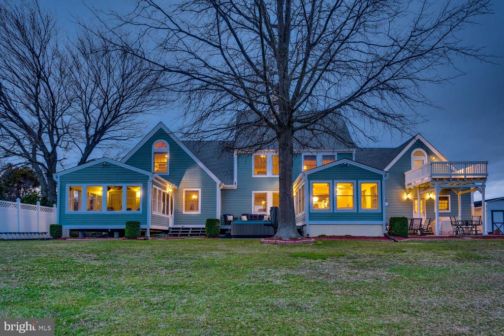 Look at this beauty in the evening! - 15798 LANCASTER FARM RD, NEWBURG