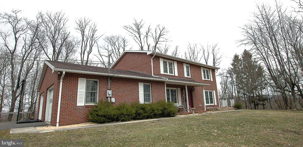 Single Family Homes pour l Vente à Elk Garden, Virginie-Occidentale 26717 États-Unis