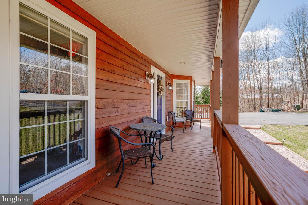 Front Porch - 350 ANGELS WAY, WINCHESTER