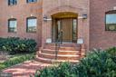 Front entry - 1412 COVENTRY LN, ALEXANDRIA