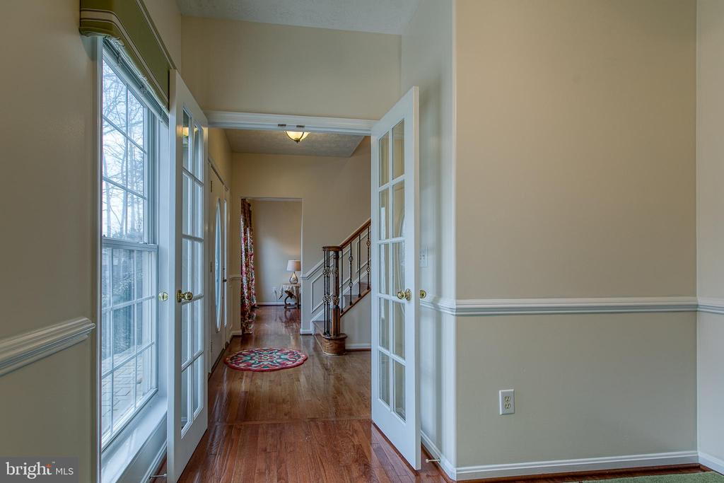 French doors lead to the foyer from the office - 118 NORTHAMPTON BLVD, STAFFORD