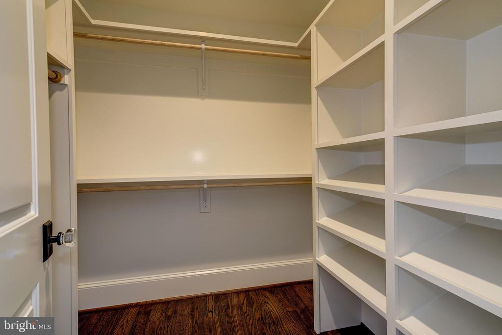 2 walk in closets with built ins in master BR and - 4856 33RD RD N, ARLINGTON