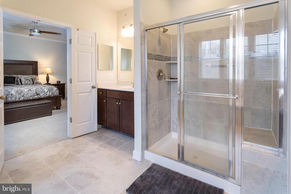 Master Bathroom - 6109 HUNT WEBER DR, CLINTON