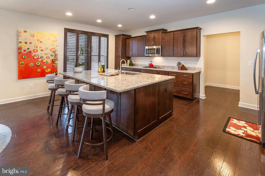 Kitchen View - 6109 HUNT WEBER DR, CLINTON