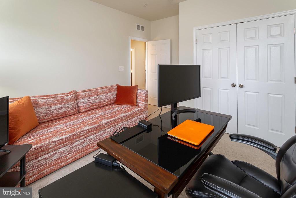 Bedroom 4 - 6109 HUNT WEBER DR, CLINTON