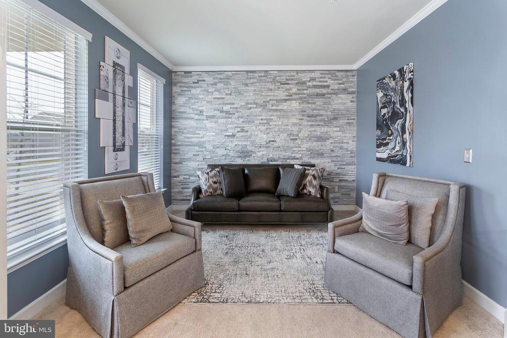 Living Room - 6109 HUNT WEBER DR, CLINTON