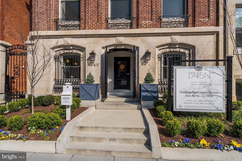 Charming entrance - 1745 N ST NW #210, WASHINGTON