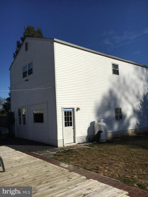 Detached two-story garage - 911 HOLLYWOOD AVE, SILVER SPRING