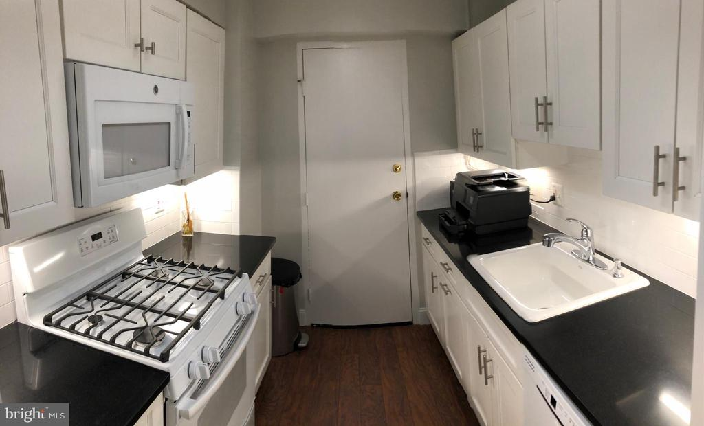 Updated kitchen - 5410 CONNECTICUT AVE NW #105, WASHINGTON