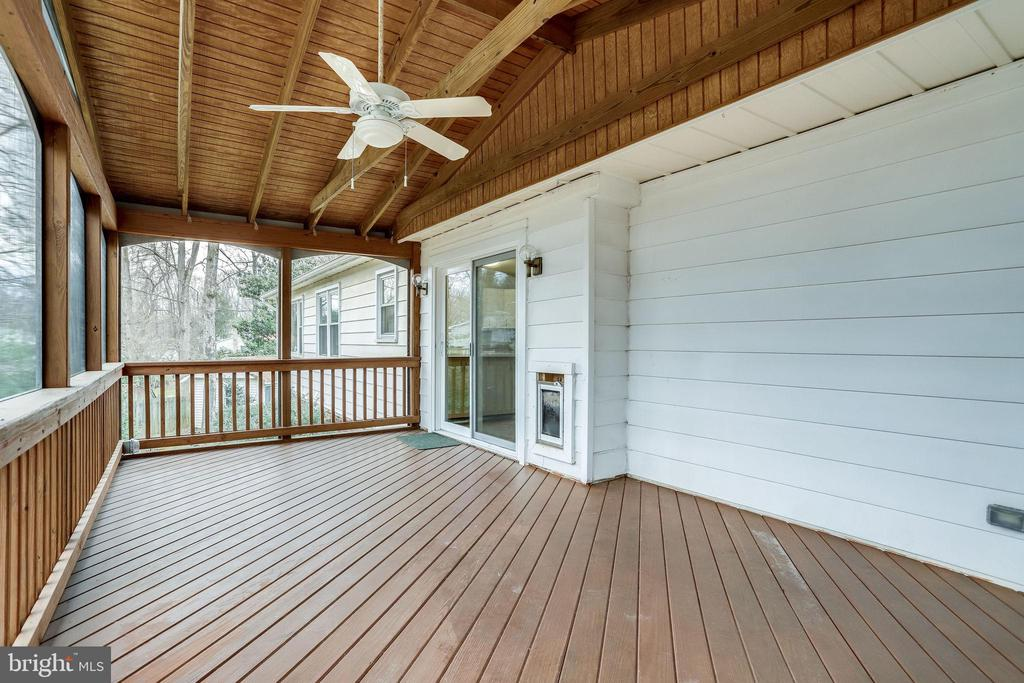 Let's talk about the deck some more... - 9211 ANTELOPE PL, SPRINGFIELD