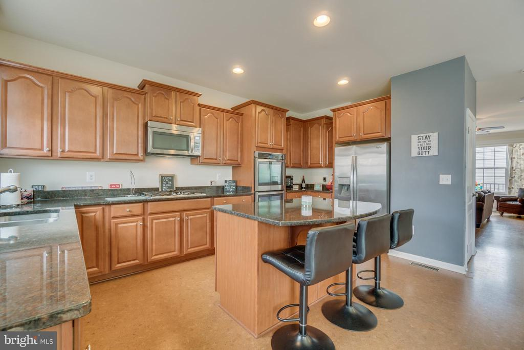 Stainless Steel Appliances including Double Ovens - 8 LAMPLIGHTER LN, STAFFORD