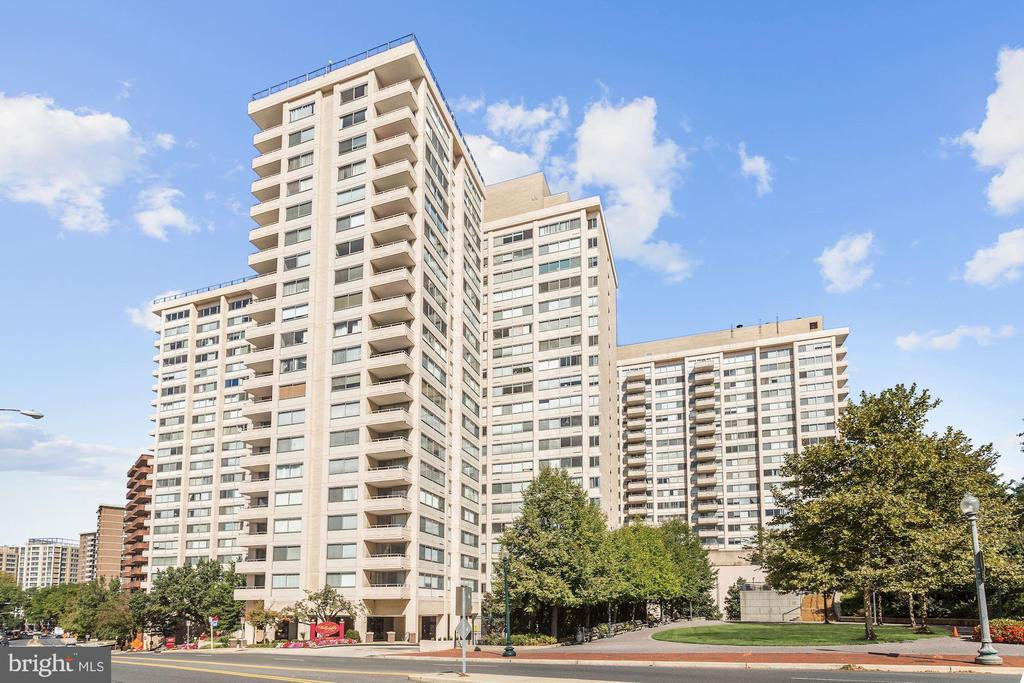 The Willoughby of Chevy Chase - 5500 FRIENDSHIP BLVD #1604N, CHEVY CHASE