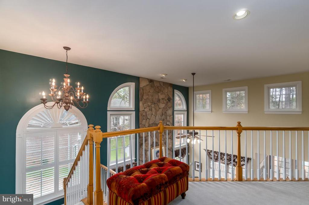 Beautiful architectural details throughout - 11519 GENERAL WADSWORTH DR, SPOTSYLVANIA