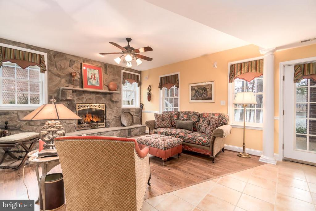 Stone gas  fireplace  in Lounge area. - 11519 GENERAL WADSWORTH DR, SPOTSYLVANIA