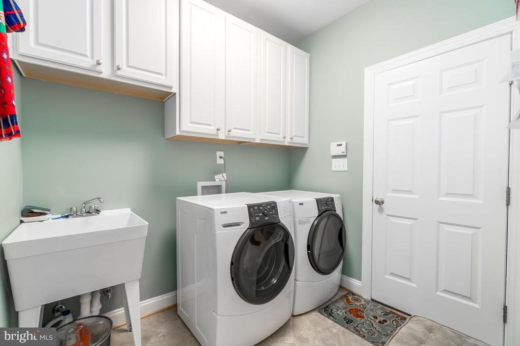 Main level laundry Rm.  Extra laundry in basement. - 11519 GENERAL WADSWORTH DR, SPOTSYLVANIA