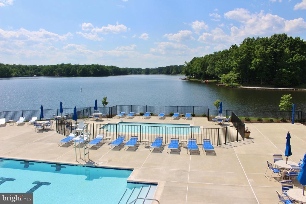 Kiddie pool overlooking Fawn Lake - 11519 GENERAL WADSWORTH DR, SPOTSYLVANIA