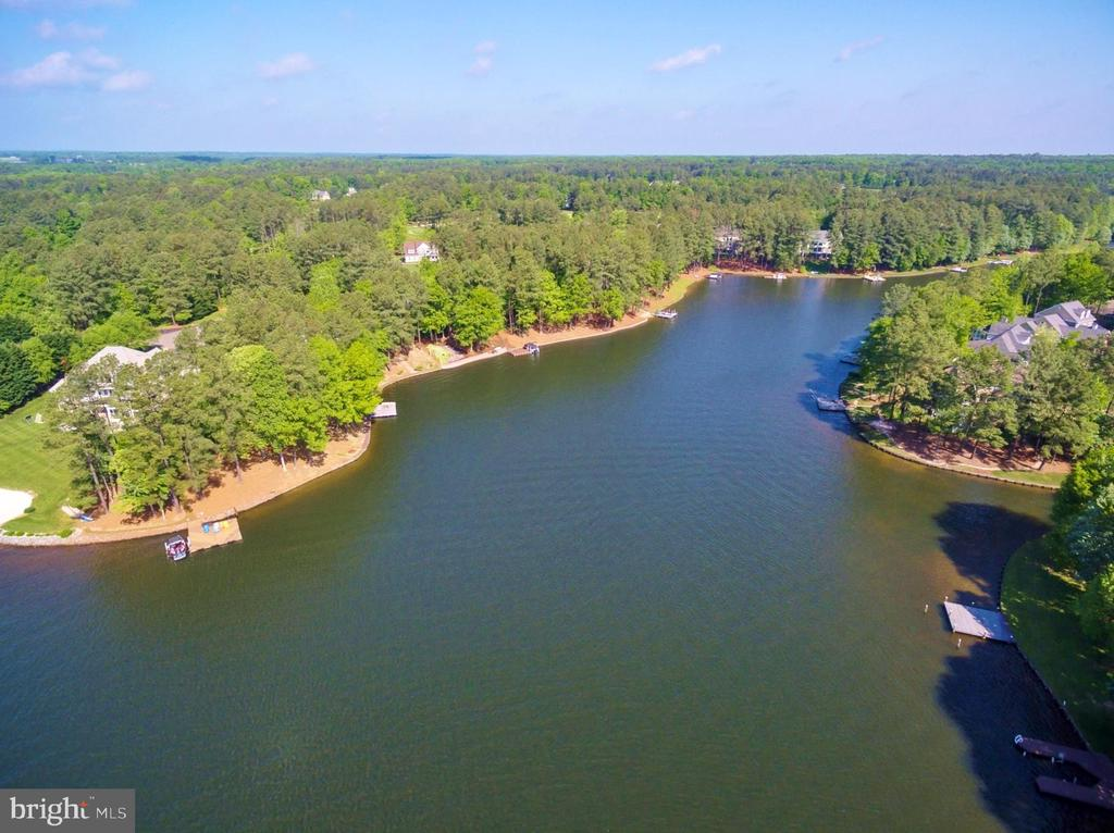 Fawn Lake Dream Home with 120 ft  shoreline. - 11519 GENERAL WADSWORTH DR, SPOTSYLVANIA
