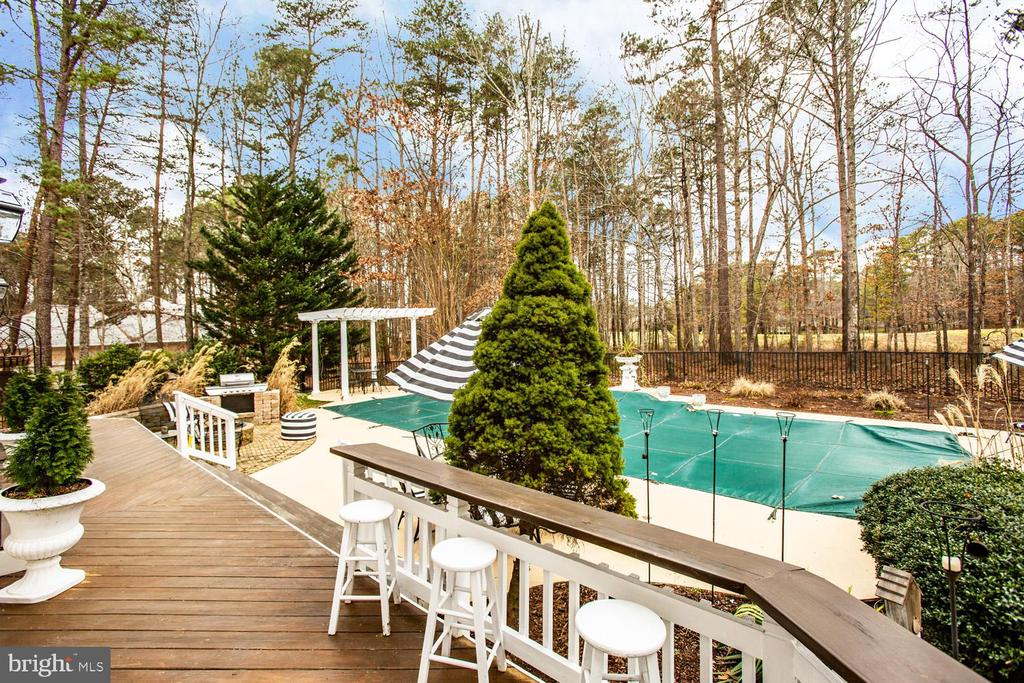Fabulous entertaining space - 11400 STONEWALL JACKSON DR, SPOTSYLVANIA