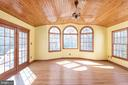 Sun room with real  wood flooring and ceiling - 42 MOURNING DOVE DR, STAFFORD