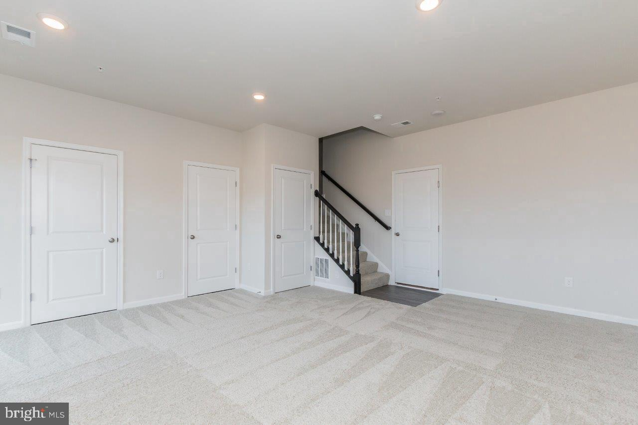 Additional photo for property listing at  Frederick, Maryland 21703 Vereinigte Staaten