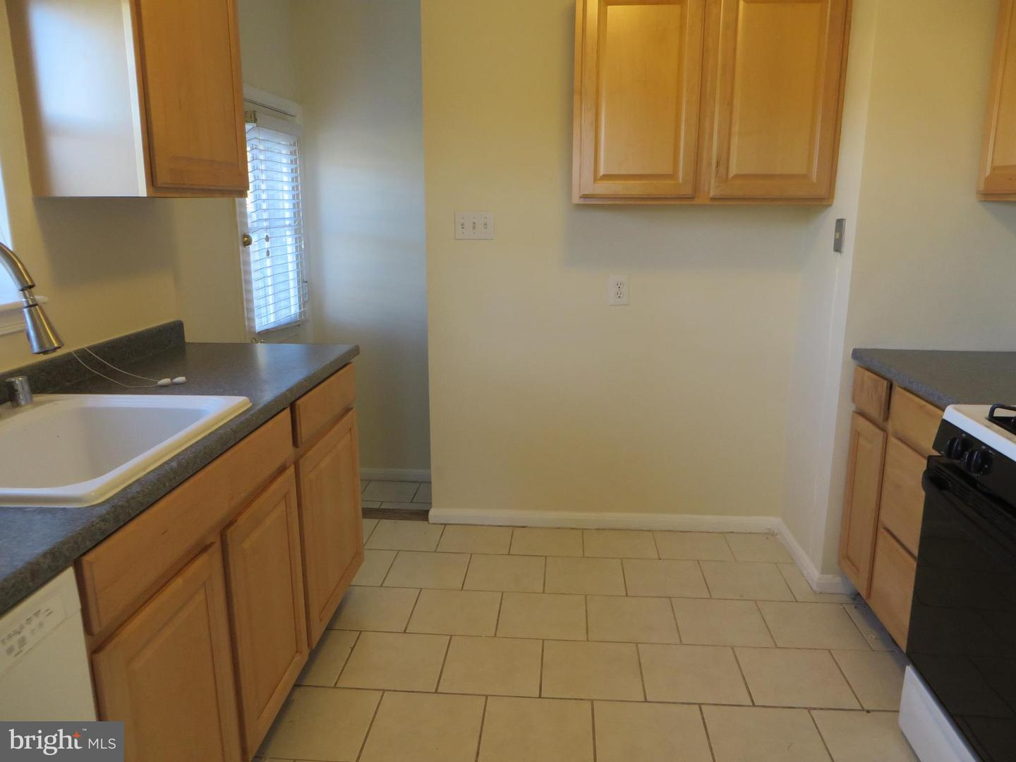 Additional photo for property listing at  Falls Church, Virginia 22046 United States