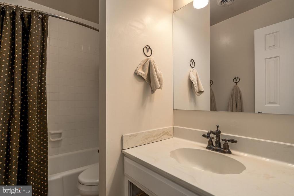 Bathroom - 14621 SPRINGFIELD RD, DARNESTOWN