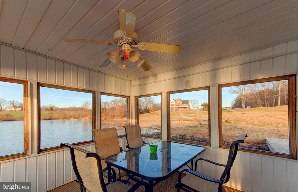 Boathouse Screened Porch - 7480 DON RD, MINERAL