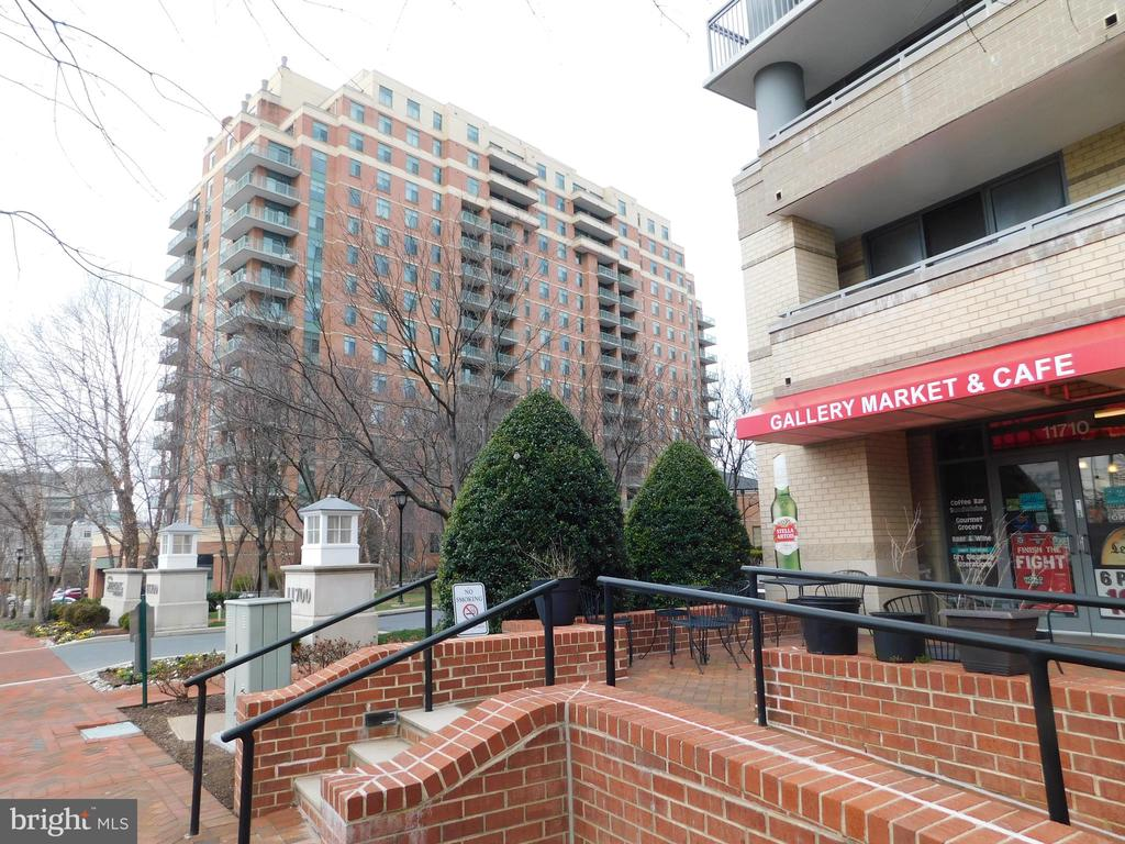 View of from store to building - 11700 OLD GEORGETOWN RD #314, NORTH BETHESDA