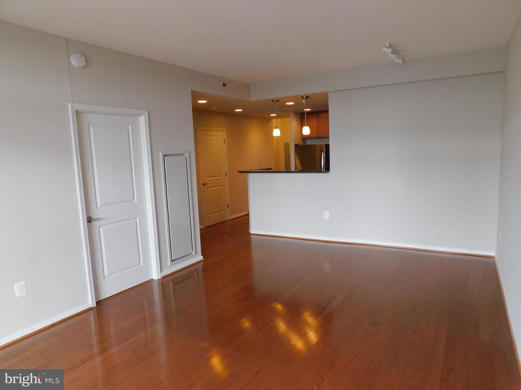 View of Living Room to Kitchen - 11700 OLD GEORGETOWN RD #314, NORTH BETHESDA