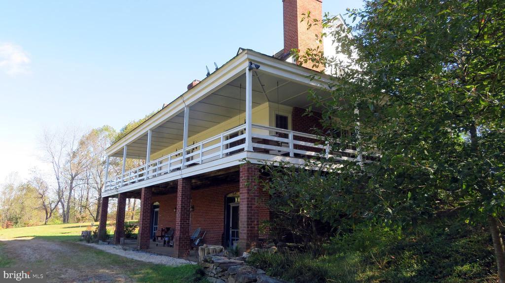 Back facade of  house - 110 LINDEN LN, FLINT HILL
