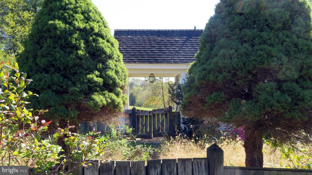 Kitchen Garden - 110 LINDEN LN, FLINT HILL