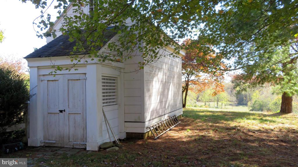 Garden Storage Shed - 110 LINDEN LN, FLINT HILL